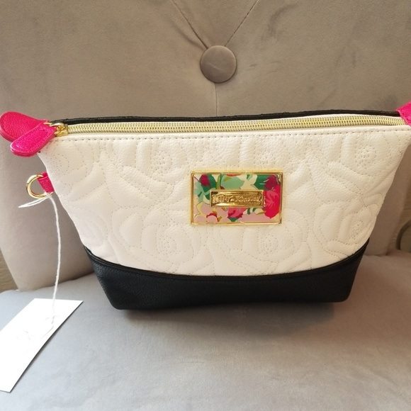 Clearance Betsey Johnson trapezoid cosmetic bag 78d58f0585ecd